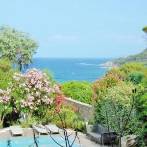 Hotel Pictures: Rental Villa Villa Gisele, Le Lavandou
