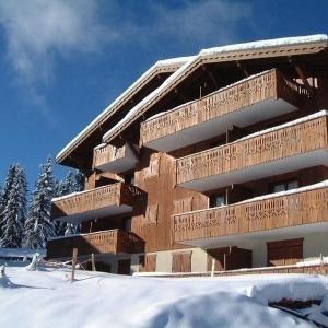Hotel Pictures: Rental Apartment Foret Des Rennes 2 C, Villard-sur-Doron