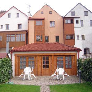 Hotel Pictures: Penzion 102, Pardubice