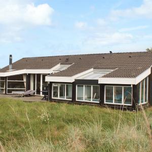 Hotel Pictures: Bindslev Holiday Home 15, Terpet