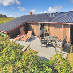 Hotel Pictures: Harboøre Holiday Home 360, Vejlby