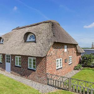 Hotel Pictures: Ringkøbing Holiday Home 373, Kloster