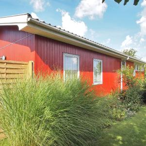 Hotel Pictures: Otterup Holiday Home 651, Tørresø