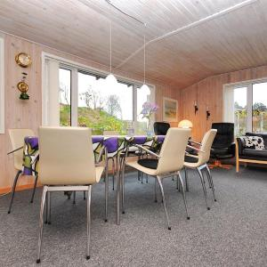 Hotel Pictures: Spøttrup Holiday Home 451, Lihme