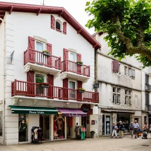 Hotel Pictures: Les Almadies, Saint-Jean-de-Luz