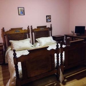 Hotel Pictures: Venta de Piqueras, Lumbreras