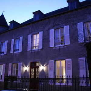 Hotel Pictures: B&B Maison De La Tour Veilhan, Neuvic