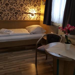 Hotel Pictures: Forsthaus Ottendorf-Okrilla, Ottendorf-Okrilla