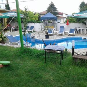 Hotelbilleder: Draganovi Guest House, Kranevo