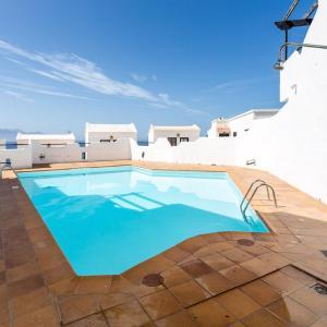 Hotel Pictures: Faro de sardina Apartment, Sardina