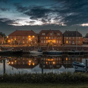 Hotel Pictures: Hotel Packhaus, Hooksiel