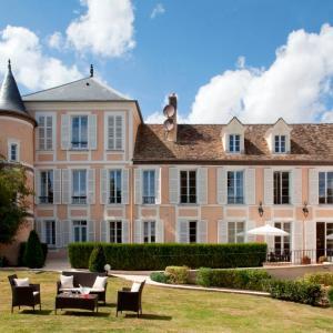 Hotel Pictures: Relais du Silence Saint-Laurent, Montfort-l'Amaury