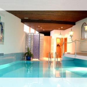 Hotelbilleder: Hotel Roter Hahn Garni, Garmisch-Partenkirchen