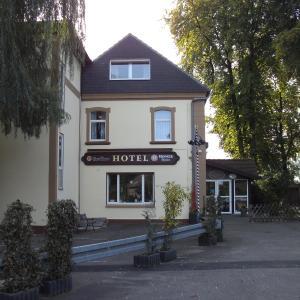 Hotel Pictures: Hotel Zum Grunewald, Dinslaken