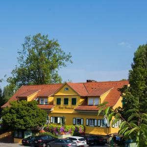 Hotel Pictures: Hotel zum lieben Augustin am See, Wasserburg