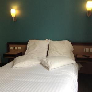 Hotel Pictures: Hotel De La Place, Malakoff