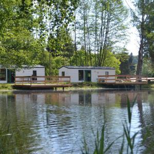 Hotel Pictures: Le Paradou Camping & Gites, Saint-Priest-la-Prugne