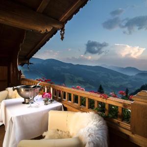 Hotel Pictures: Romantiksuite, Alpbach