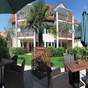 Hotel Pictures: Apfelhof-Bodensee Röhrenbach, Kippenhausen