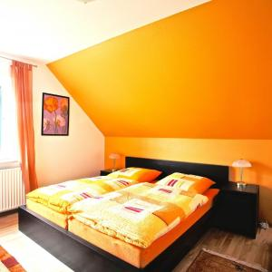 Hotel Pictures: Privatapartment Sarstedt Mitte (3651), Sarstedt