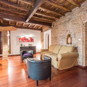 Hotel Pictures: Romefinestay Apartment Luce, Rome