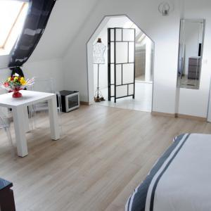 Hotel Pictures: Domaine du Moulin d'Ecalles, Estouteville-Écalles