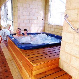 Hotelbilleder: Inn The Tuarts Guest Lodge Busselton Accommodation, Busselton