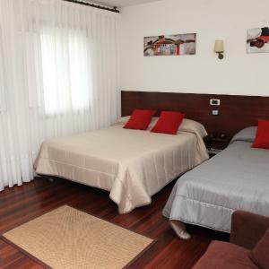 Hotel Pictures: Hotel Restaurante Rúas, Pontevedra