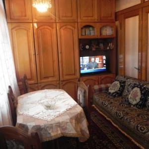 Hotellikuvia: Apartment Agmashenebeli 13, Makhinjauri