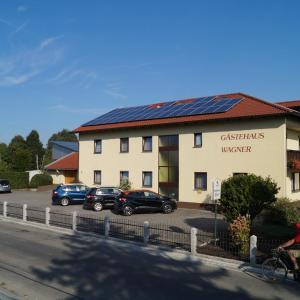 Hotelbilleder: Gästehaus Wagner, Egglfing