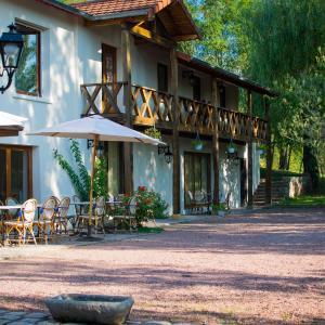 Hotel Pictures: La Ferme aux Biches, Commelle-Vernay