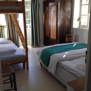 Hotel Pictures: Le Moulin d'Escoutoux, Thiers