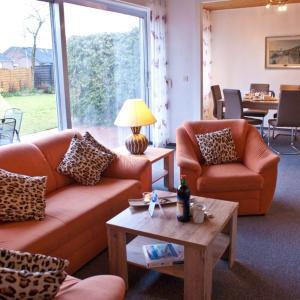 Hotelbilleder: Ferienhaus mit Sonnenterrasse, Berumbur