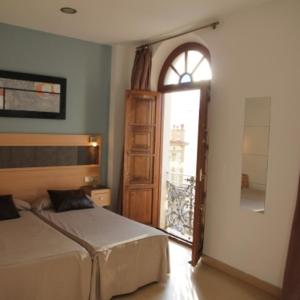 Hotel Pictures: Hostal Plaza Ruiz, Ceuta