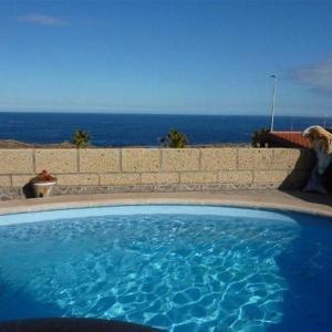 Hotel Pictures: Holiday Home Villa Tania, La Listada