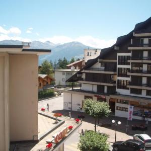 Hotel Pictures: Apartment Rond-Point, Crans-Montana