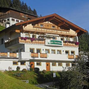 Hotel Pictures: Apartment Marina.4, Aschau