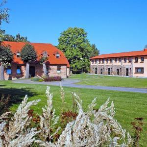 Hotel Pictures: Apartment Gästehaus BärenHof.2, Kritzow