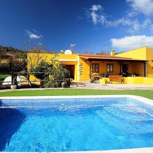 Hotel Pictures: Villa Villa Lemon, Las Rosas