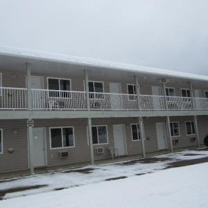 Hotel Pictures: Kacee's Northern Suites, Fort Nelson