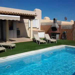 Hotel Pictures: Holiday Home Villa Suite Golf Caleta 3, La Guirra