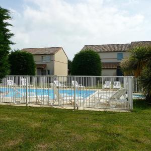 Hotel Pictures: Apartment Blue Park, Sainte-Marie