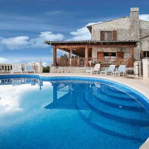 Hotel Pictures: Holiday Home Villa Sa Mola, Esporles