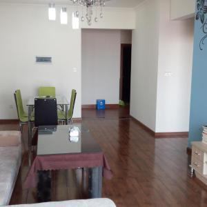 Hotel Pictures: Suining Yue Tu Homestay, Suining