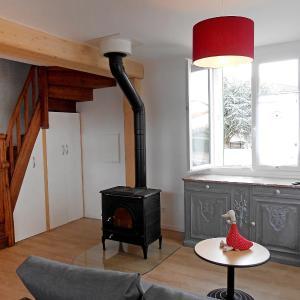 Hotel Pictures: Holiday Home Maison Les Oies, Blot-l'Église