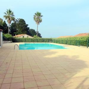 Hotel Pictures: Holiday Home Domaine des Vignes.4, Cogolin