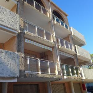 Hotel Pictures: Apartment Le Castello, Saint-Aygulf