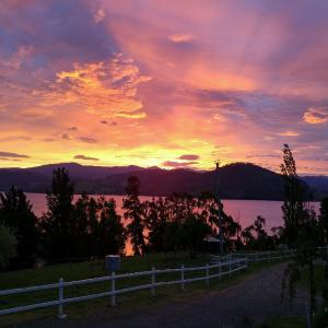 Фотографии отеля: Ambience on Huon Bed & Breakfast, Cygnet
