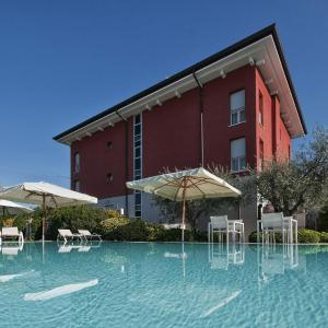 Hotelbilleder: Vialeromadodici Rooms & Apartments, Lazise