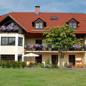 Hotelbilleder: Gästehaus Am Sonnenhang, Erbendorf